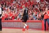 Удивительный помощь Пола и три точки Такер – момент дня в НБА