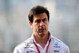 Mercedes угрожает уйти из Формулы-1 после ferrari
