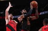НБА. 35 очков Джеймса не спасли «Кливленд» от поражения в матче с «Портленд»