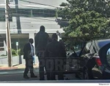 Шакил О\'Нил вышел из машины и помог людям, которые находятся в АВАРИЮ